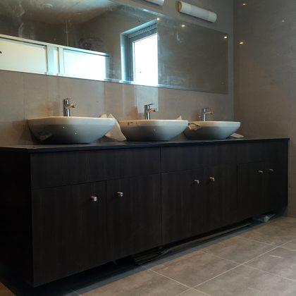 bathroom-wood-shelves-cabinets